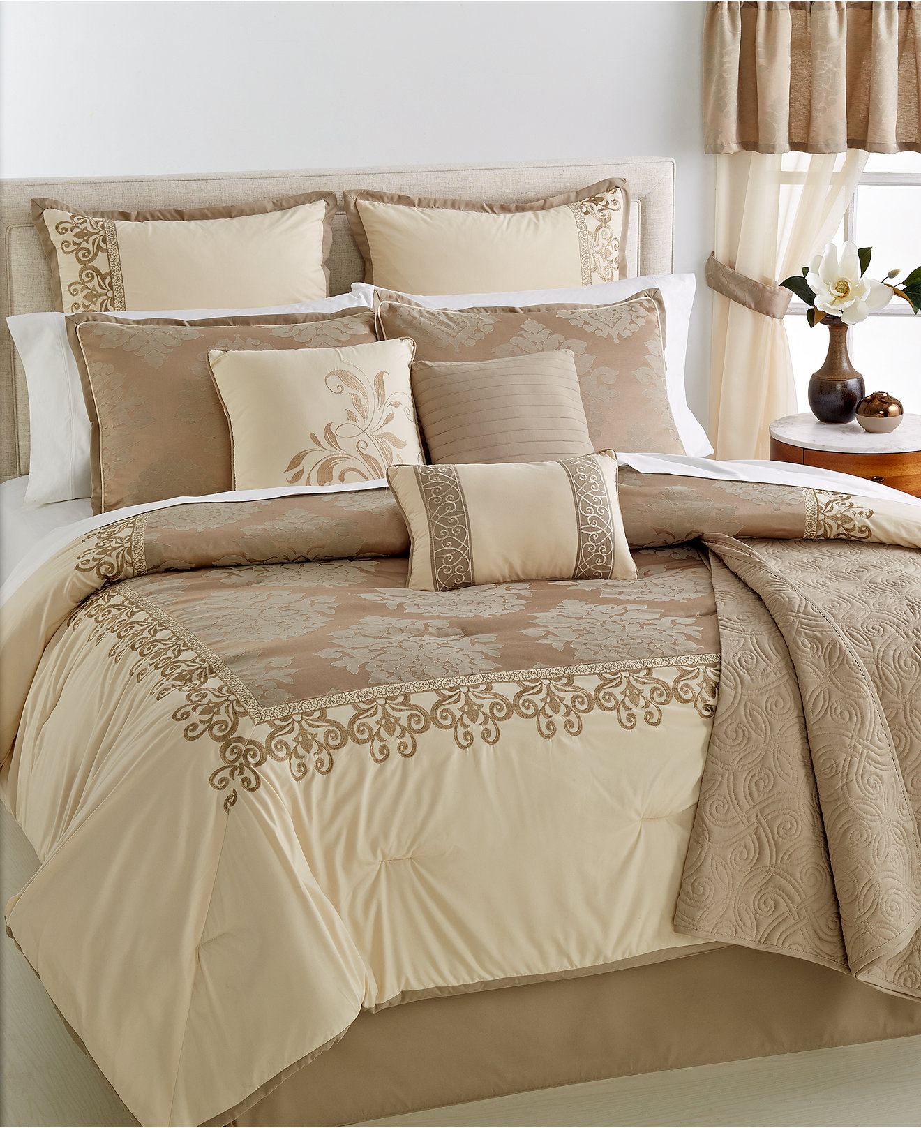 Adorable full comforter sets Bed queen size and king bedsize also pillows and cushion combined with headboards and curtains