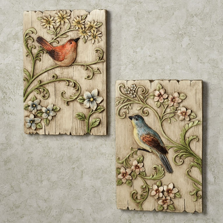 Amusing Wall Plaques With Antique Pattern Design For Wall Decorating Home Ideas