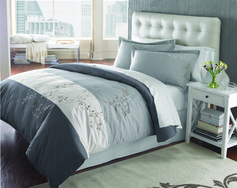 Appealing Bedroom With Sidetable And Laminate Flooring Plus Curtains And Cheap Duvet Covers
