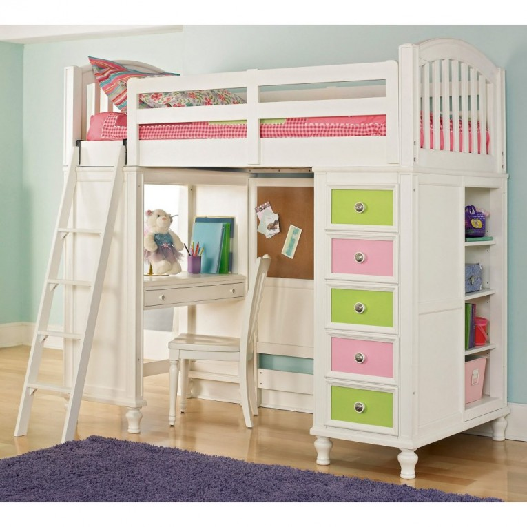 Appealing Cheap Bunk Beds For Kids With Area Rugs And Laminate Flooring Combined With Picture On The Wall For Kids Bed Room Ideas
