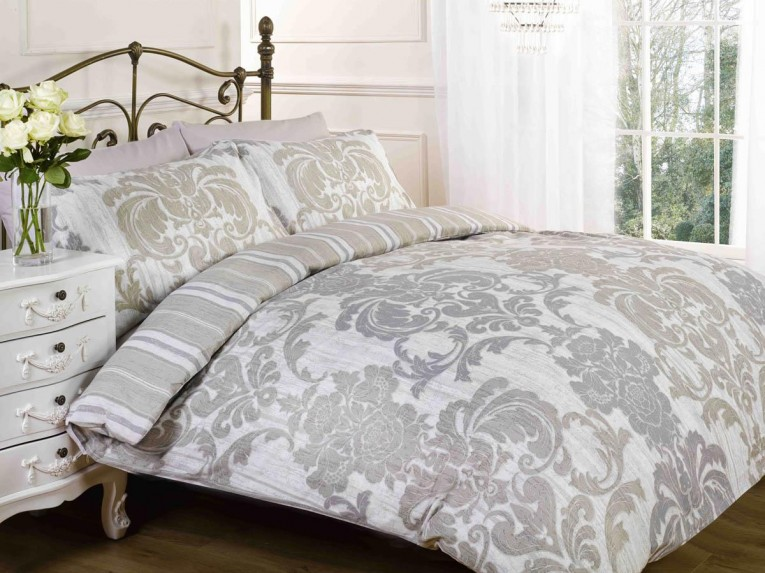 Astounding Bedroom With Sidetable And Laminate Flooring Plus Curtains And Cheap Duvet Covers