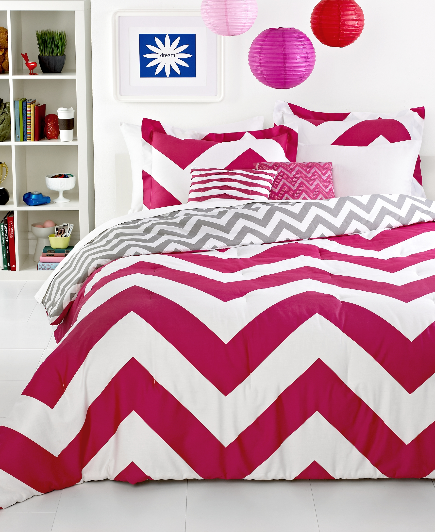 Awesome full comforter sets Bed queen size and king bedsize also pillows and cushion combined with headboards and curtains