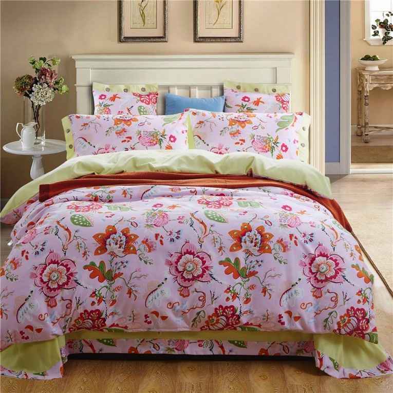 Best Bedroom With Sidetable And Laminate Flooring Plus Curtains And Cheap Duvet Covers