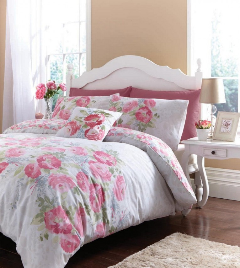 Breathtaking Bedroom With Sidetable And Laminate Flooring Plus Curtains And Cheap Duvet Covers