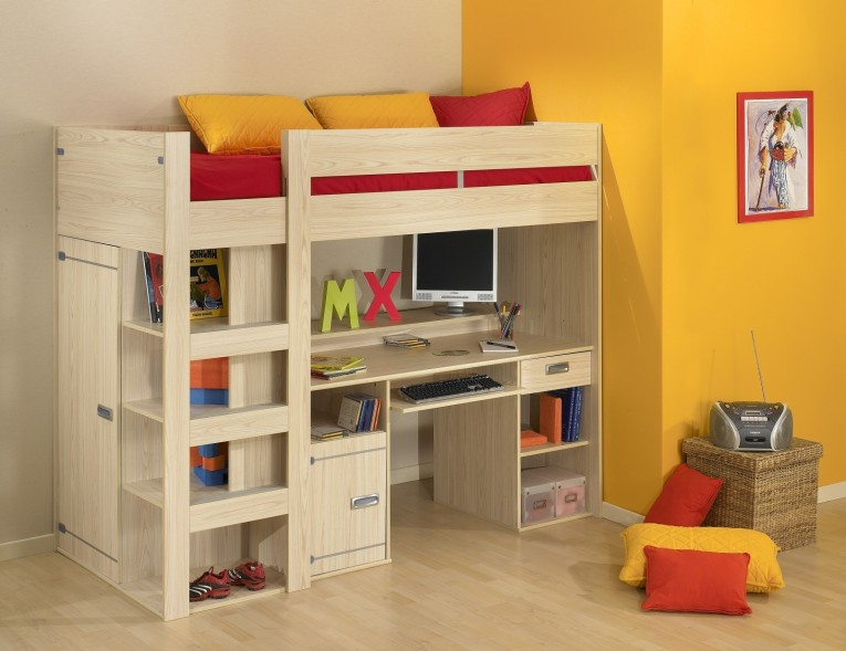 Brilliant Cheap Bunk Beds For Kids With Area Rugs And Laminate Flooring Combined With Picture On The Wall For Kids Bed Room Ideas