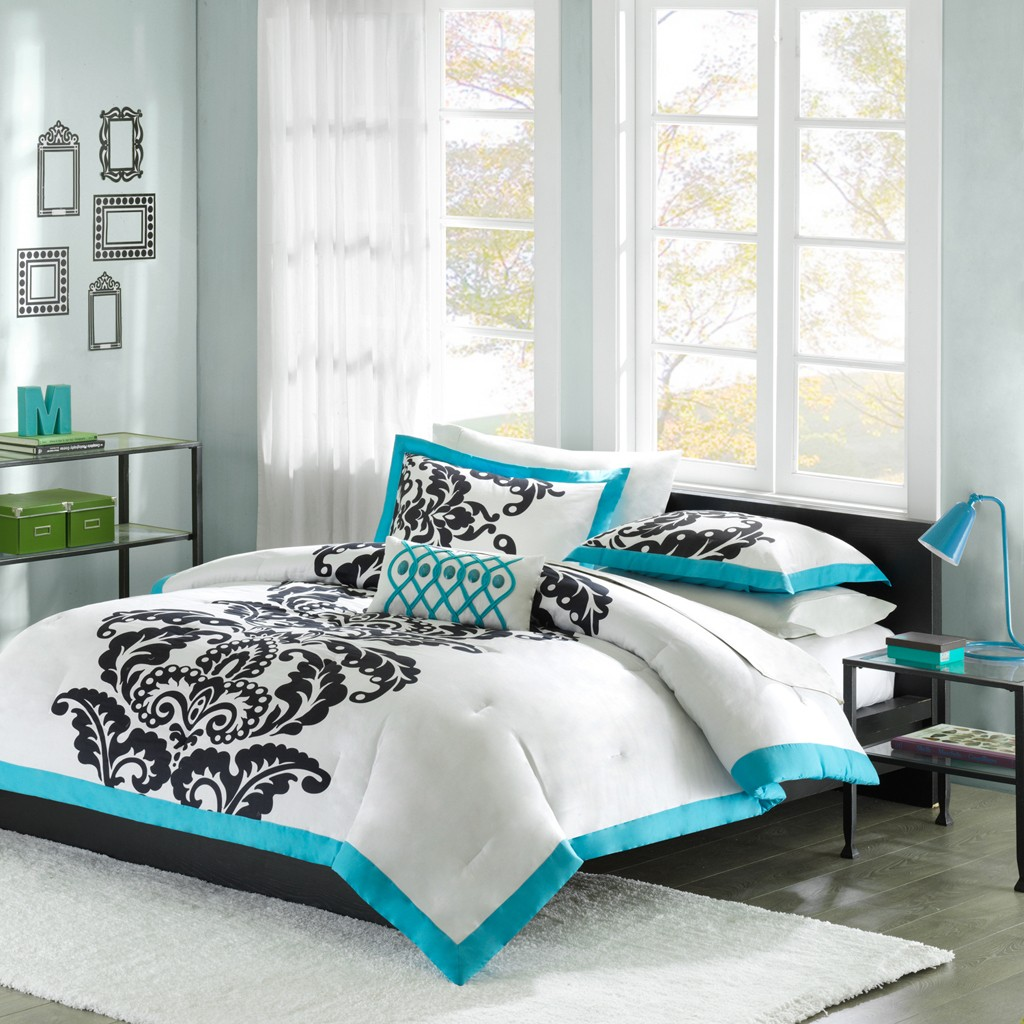 Captivating full comforter sets Bed queen size and king bedsize also pillows and cushion combined with headboards and curtains