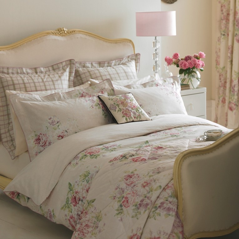Charming Bedroom With Sidetable And Laminate Flooring Plus Curtains And Cheap Duvet Covers