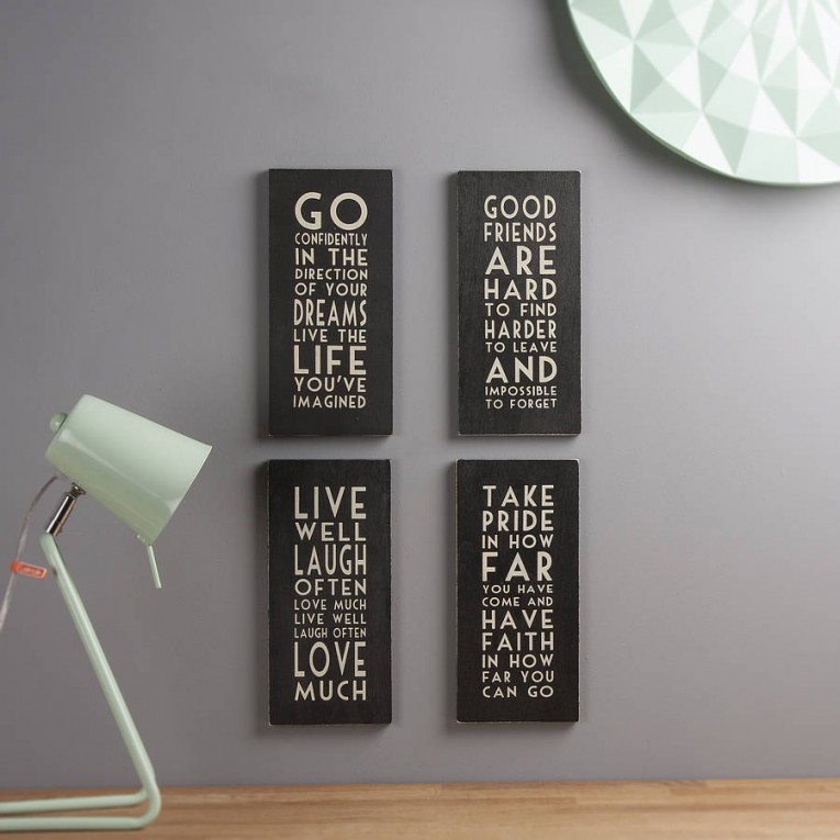 Charming Wall Plaques With Antique Pattern Design For Wall Decorating Home Ideas