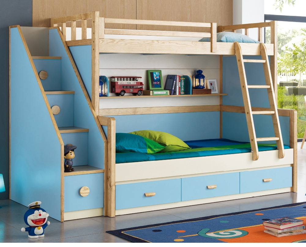 Chic cheap bunk beds for kids with area rugs and laminate flooring combined with picture on the wall for kids bed room ideas
