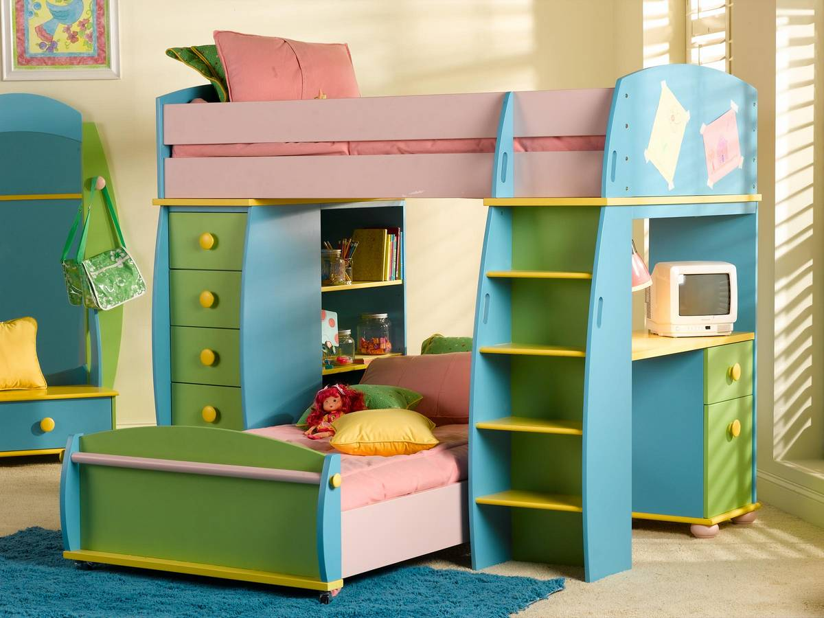 Classy cheap bunk beds for kids with area rugs and laminate flooring combined with picture on the wall for kids bed room ideas