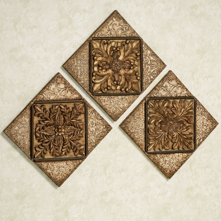 Classy Wall Plaques With Antique Pattern Design For Wall Decorating Home Ideas