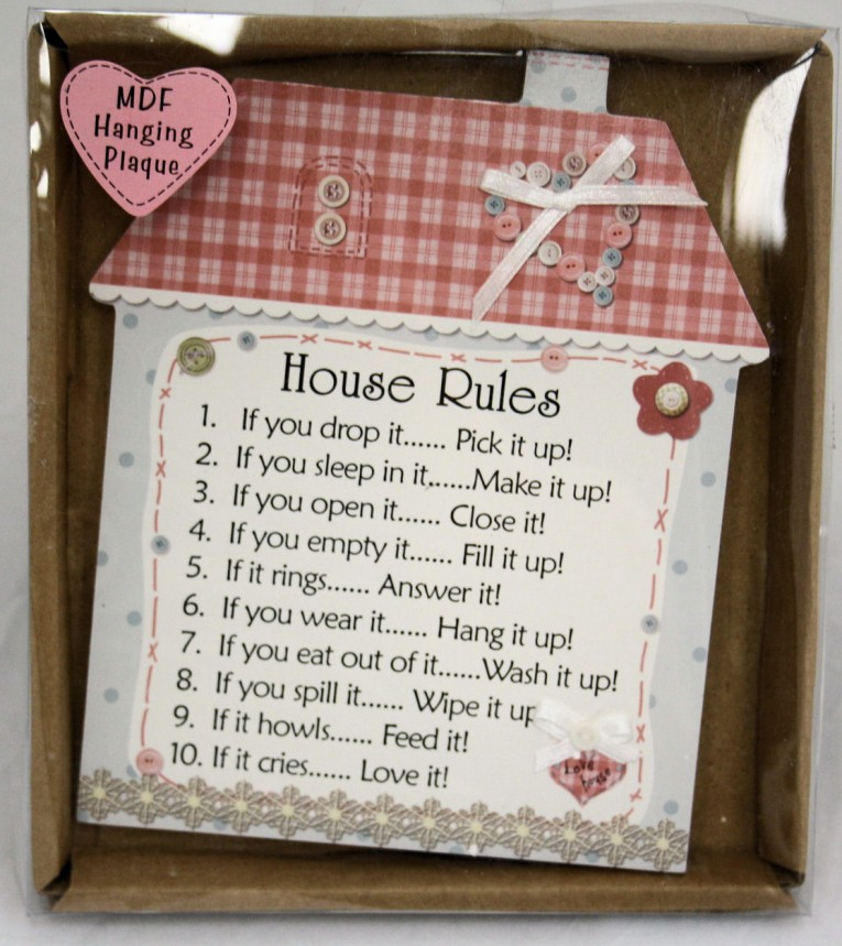 Cozy Wall Plaques With Antique Pattern Design For Wall Decorating Home Ideas