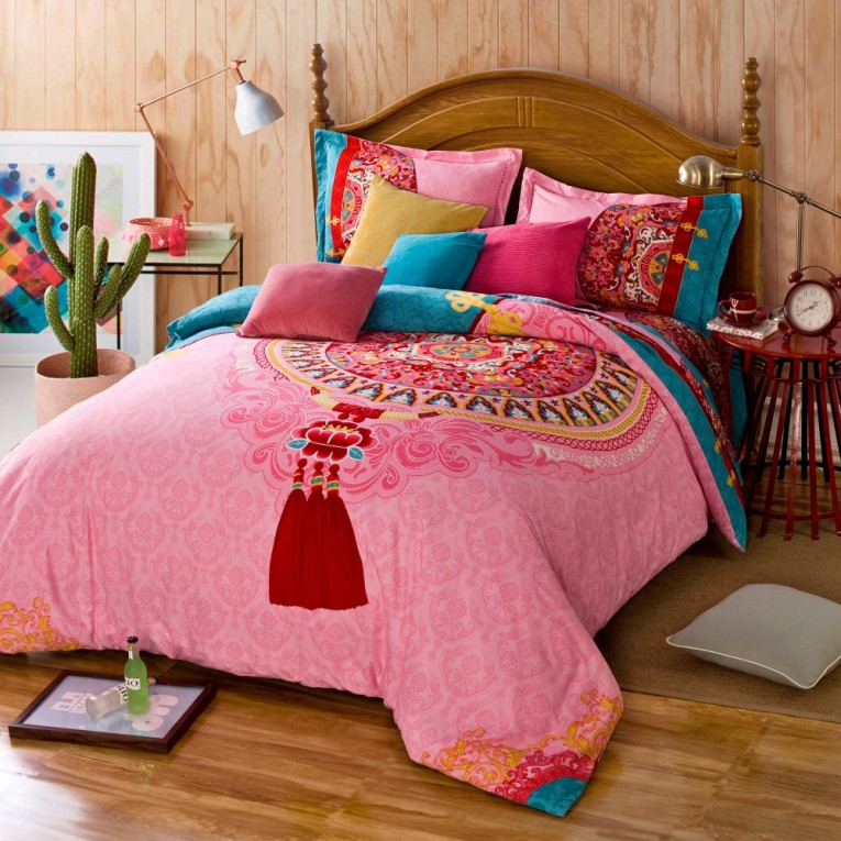 Elegant Full Comforter Sets Bed Queen Size And King Bedsize Also Pillows And Cushion Combined With Headboards And Curtains