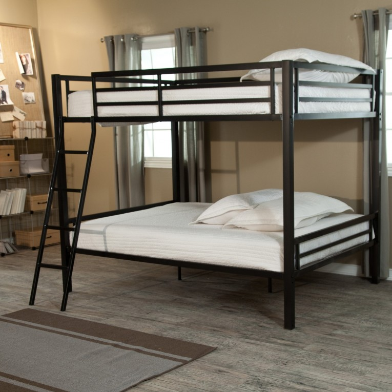 Endearing Cheap Bunk Beds For Kids With Area Rugs And Laminate Flooring Combined With Picture On The Wall For Kids Bed Room Ideas