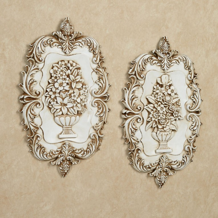 Excellent Wall Plaques With Antique Pattern Design For Wall Decorating Home Ideas