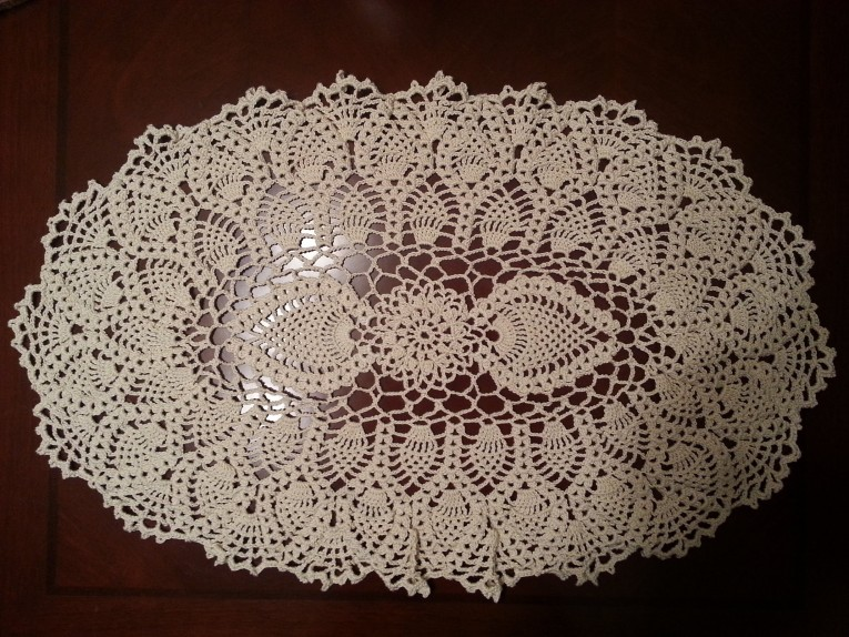 Amazing Oblong Tablecloth With Simple Wicker Pattern