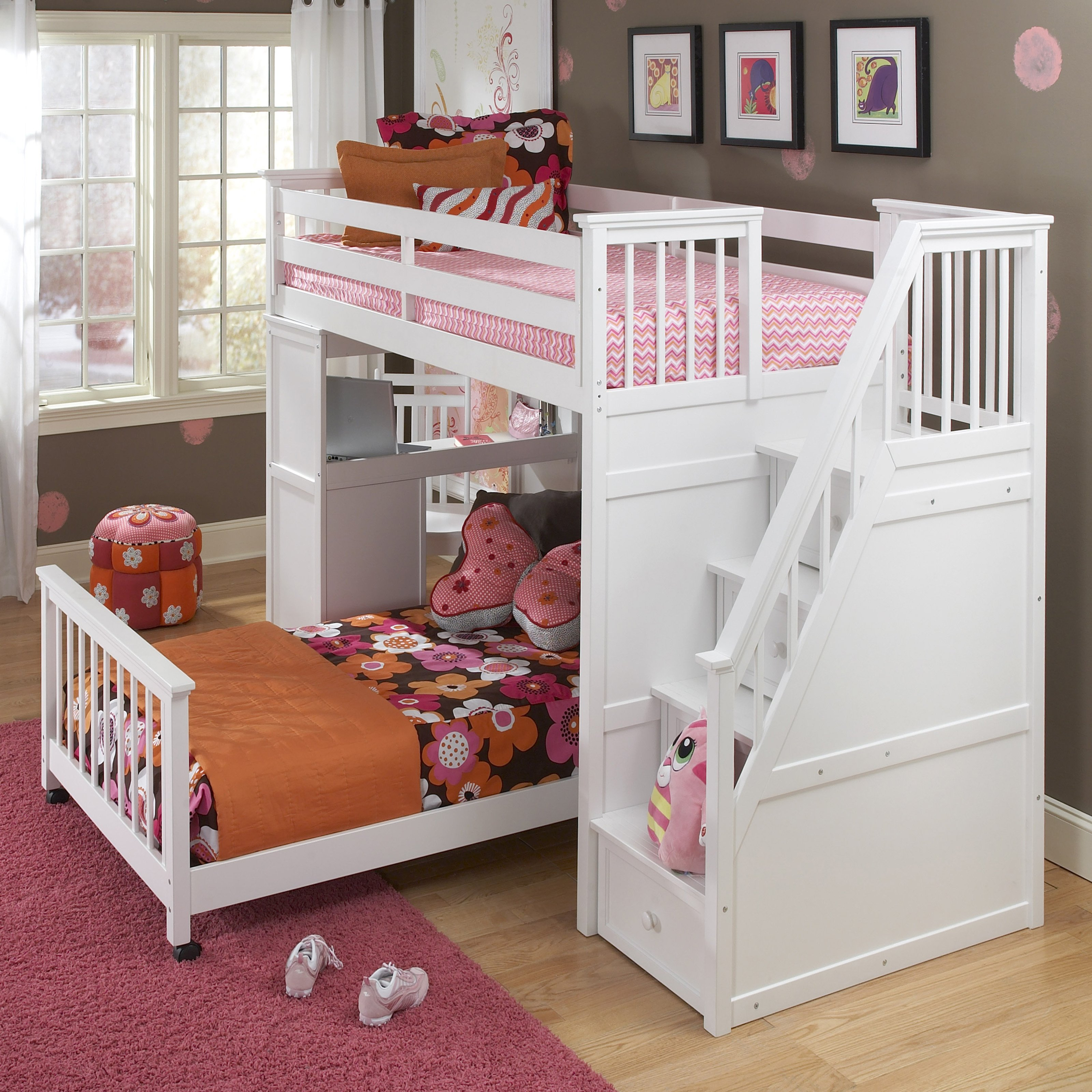 best of the best cheap loft beds with red rugs and laminate flooring