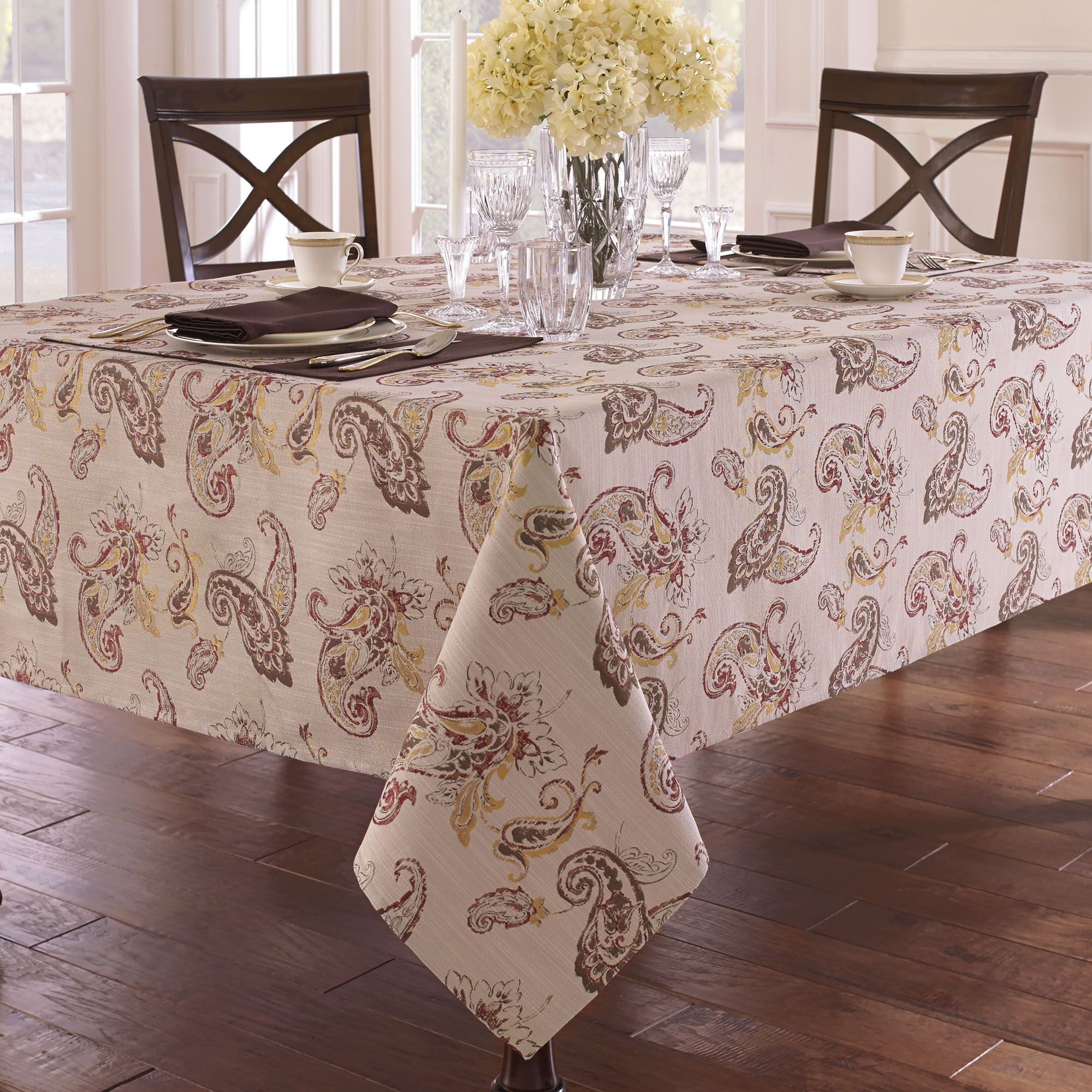 fashionable white cream flowers oblong tablecloth