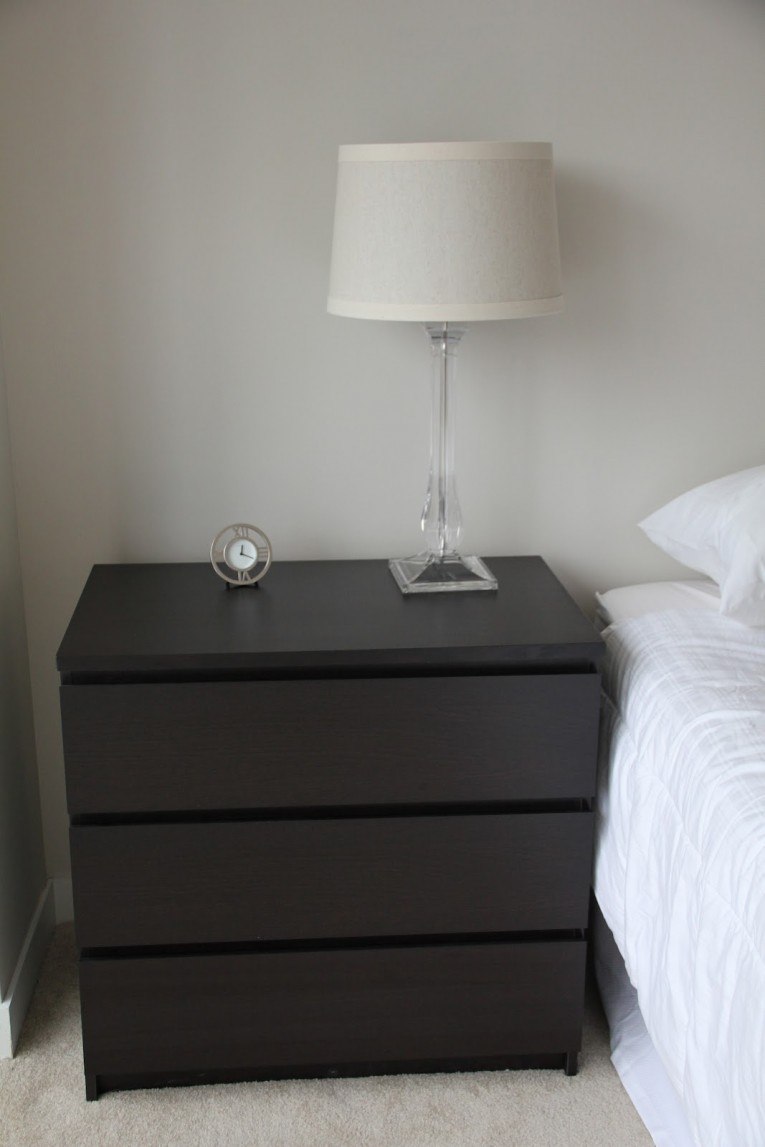 Malm 6 Drawer Dresser With White Bed Linen And Free Stand Light