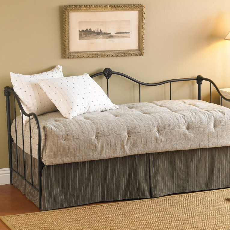 Nice Decorating Queen Daybed