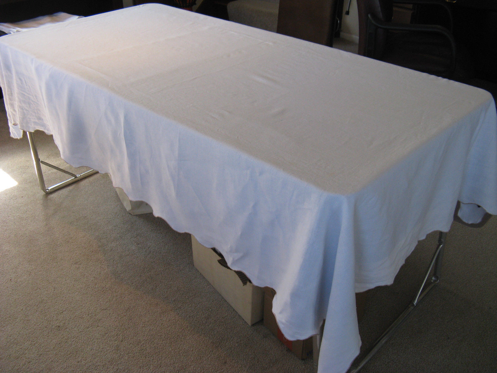 old white oblong tablecloth
