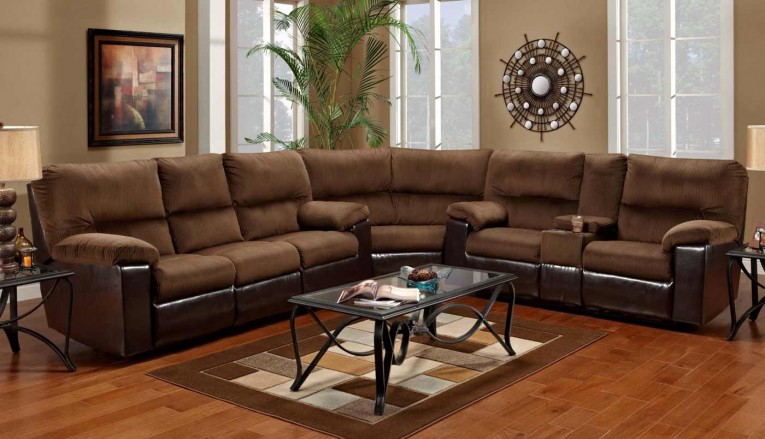 Sectionals Sofas With Sidelamps And Area Rugs