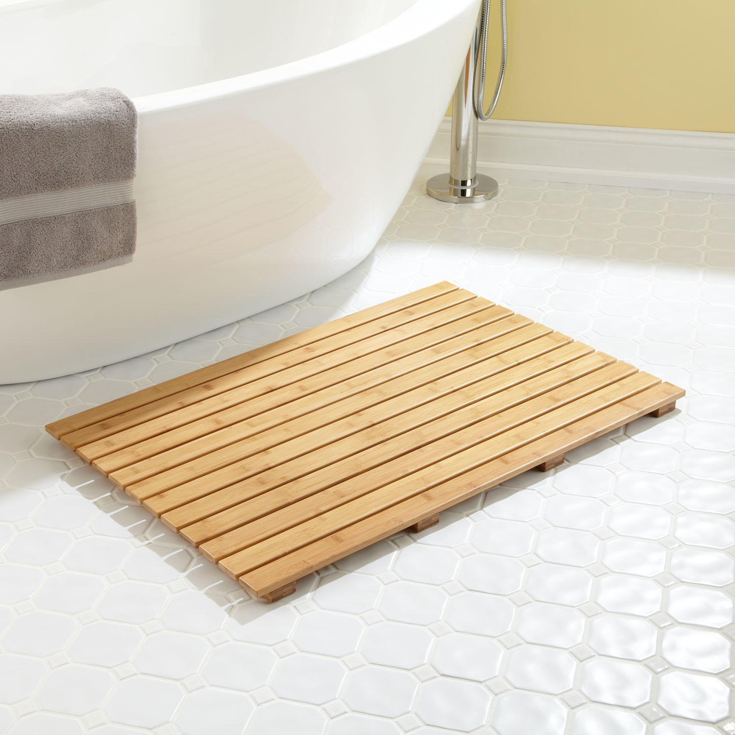 bathroom: mesmerizing bath mat with beautiful design and color for