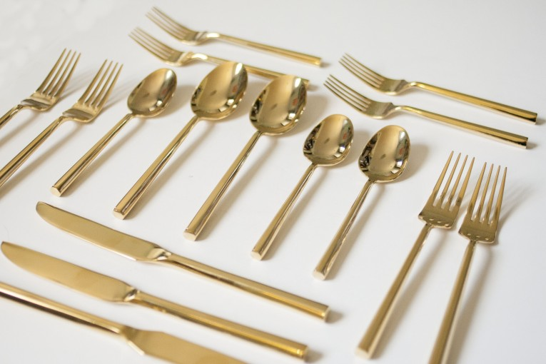Admirable Gold Plastic Silverware With Glitters Gold Plastic Silverware For Serverware Ideas
