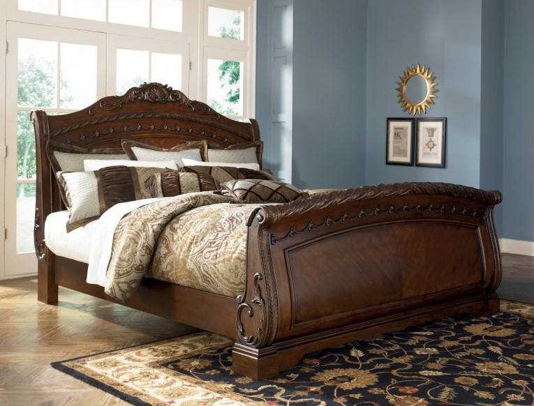 Admirable Headboars King Sleigh Bed With Royal Duvet Cover And Luxury Sheets Also Unique Area Rug Above Laminate Flooring Ideas