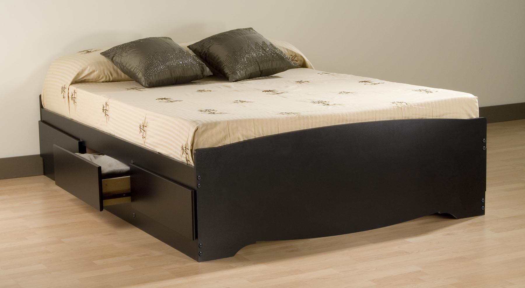 Admirable queen size platform bed with black and laminate flooring