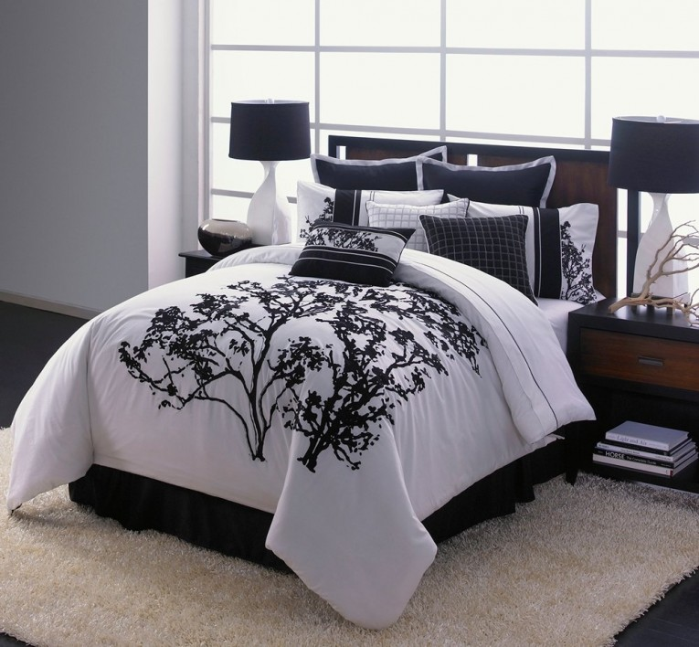 Adorable Bedroom With Black And White Comforter Sets And Laminate Porcelain Floor Also Curtain And Sidetables