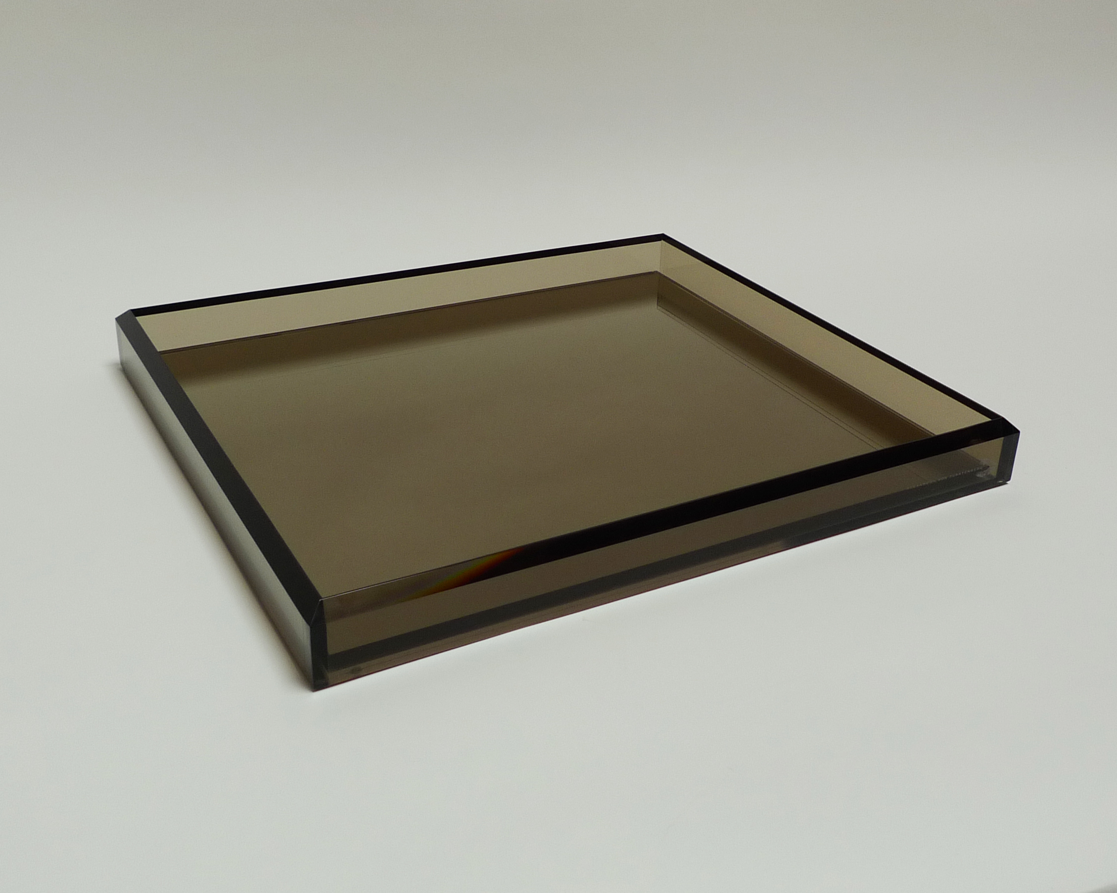 Amazing mirrored vanity tray with black color design