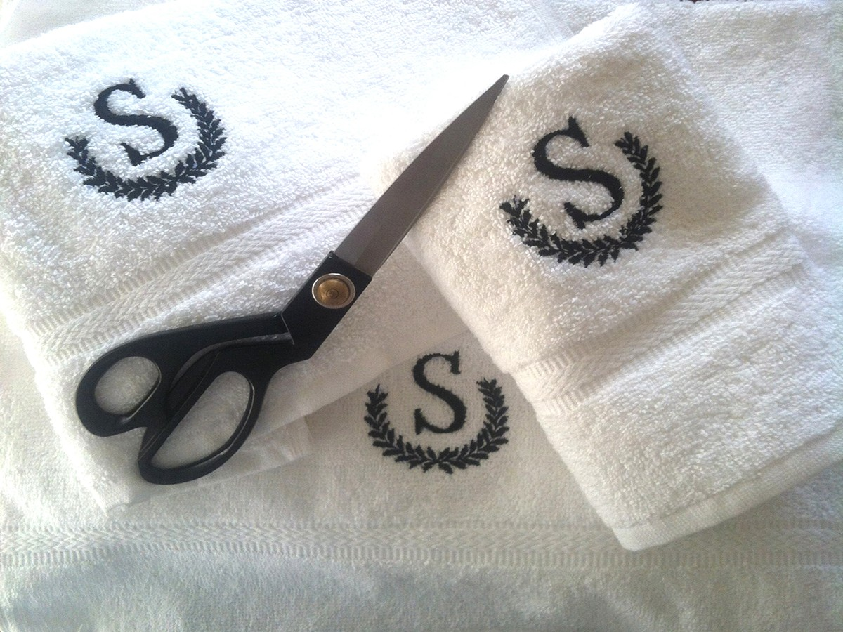 Amazing monogrammed bath towels with personalized towel of monogrammed towel set ideas
