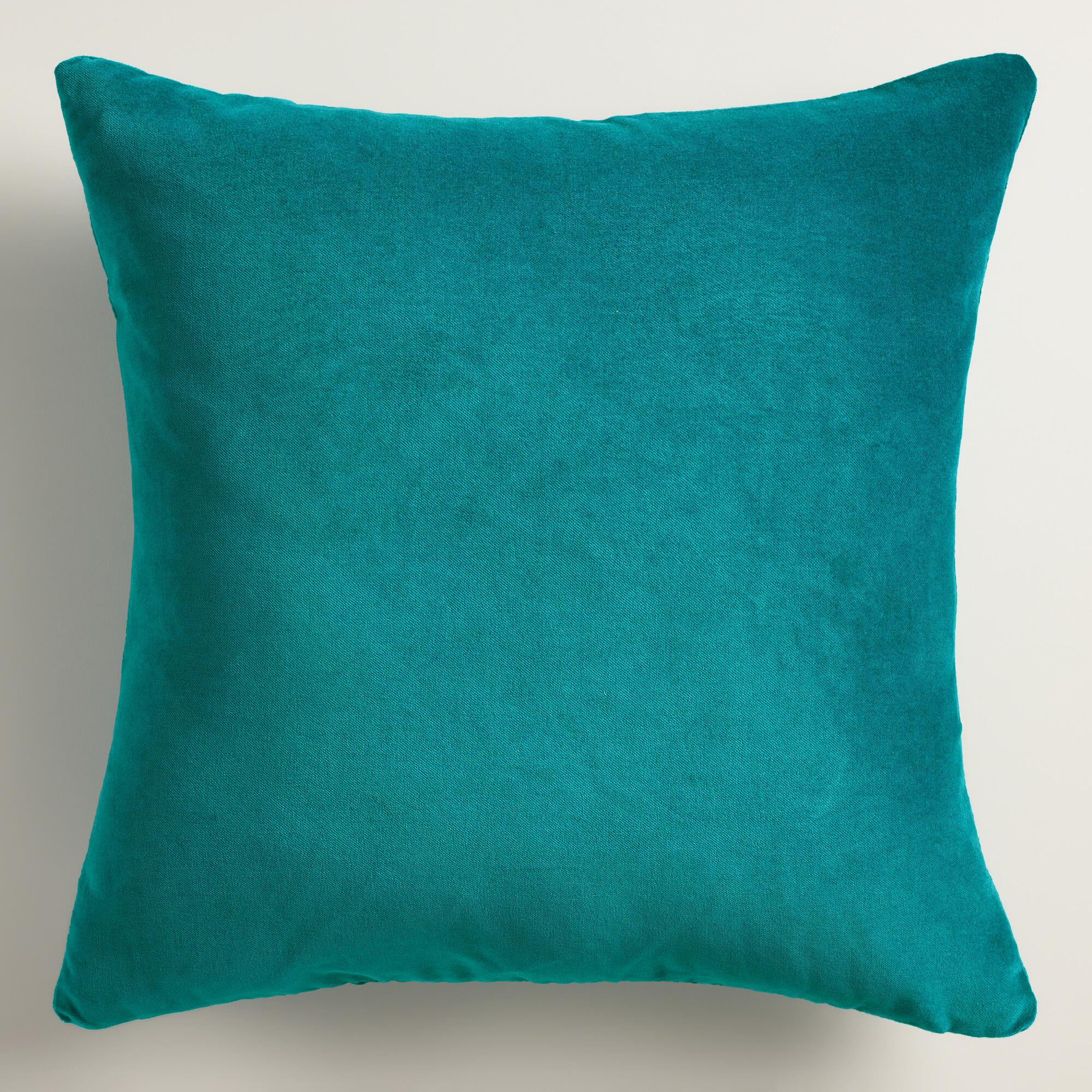 Interior Astonishing Cushions Teal Throw Pillows For Queen Bed  ~ What Size Throw Pillow For Sofa