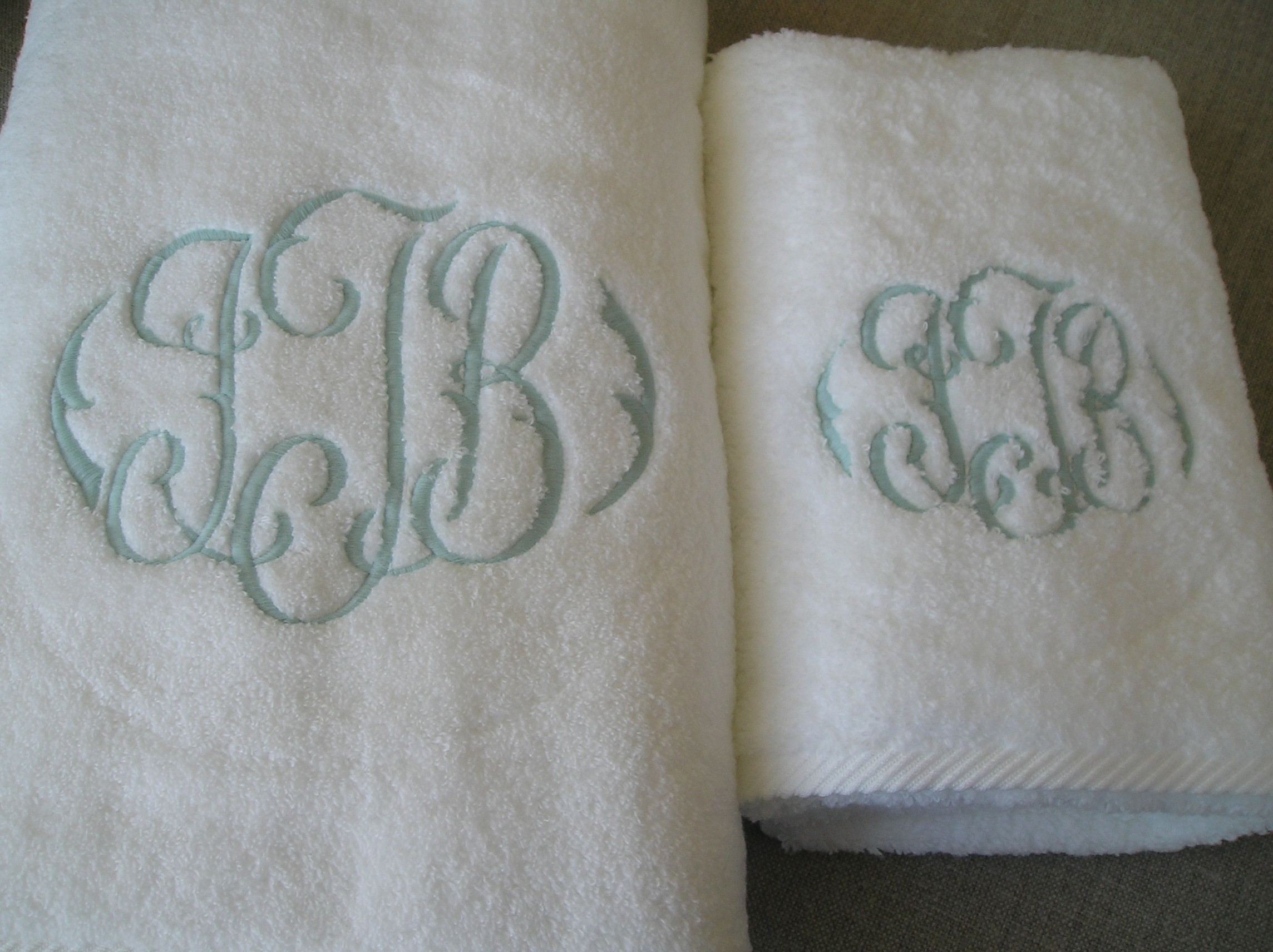 Astonishing monogrammed bath towels with personalized towel of monogrammed towel set ideas