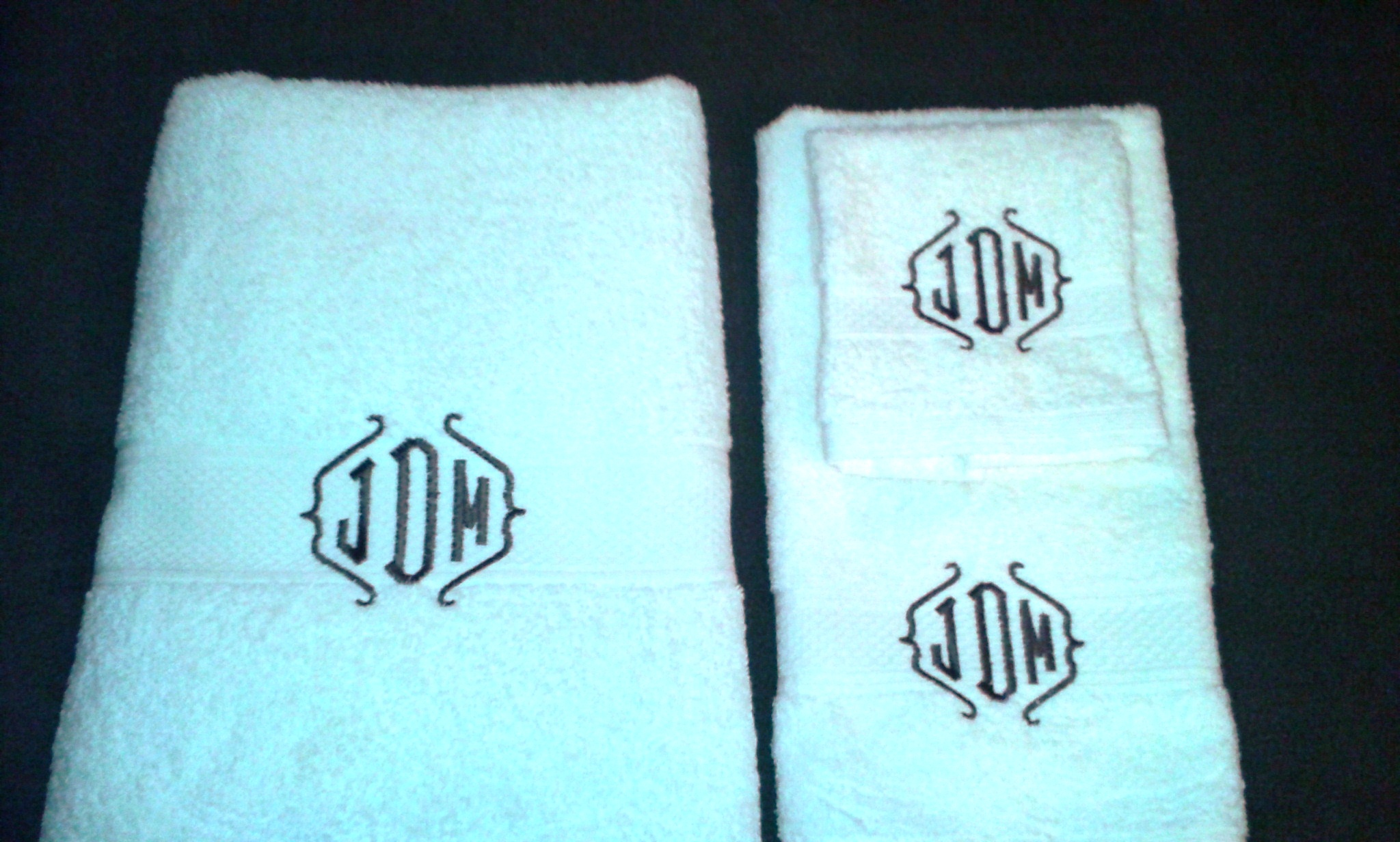 Astounding monogrammed bath towels with personalized towel of monogrammed towel set ideas