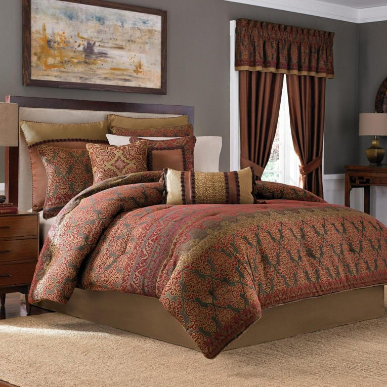 Attractive Comrforter Set Light Of Paisley Comforter With Pillows And Unique Sidetable And Nightlamps