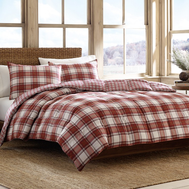 Attractive Plaid Comforter With Rugs And Wooden Floor Plus Headboard And Sidetable Also Pillows