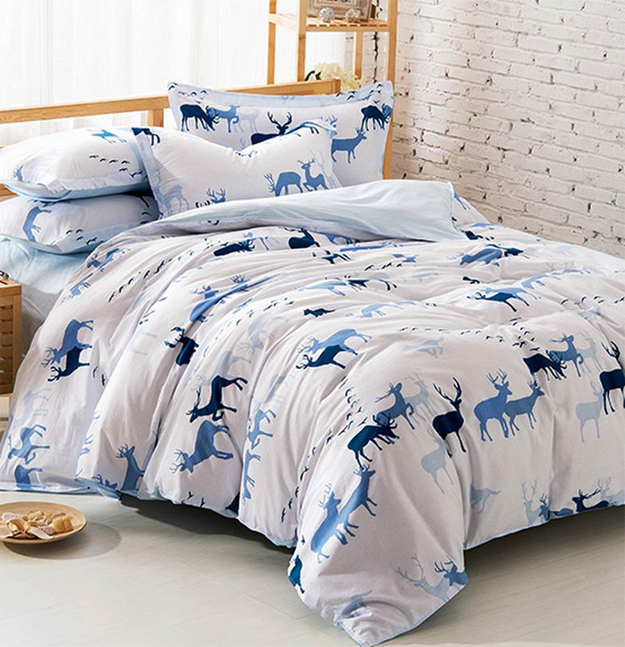 Attractive white comforters for teens with deer pattern
