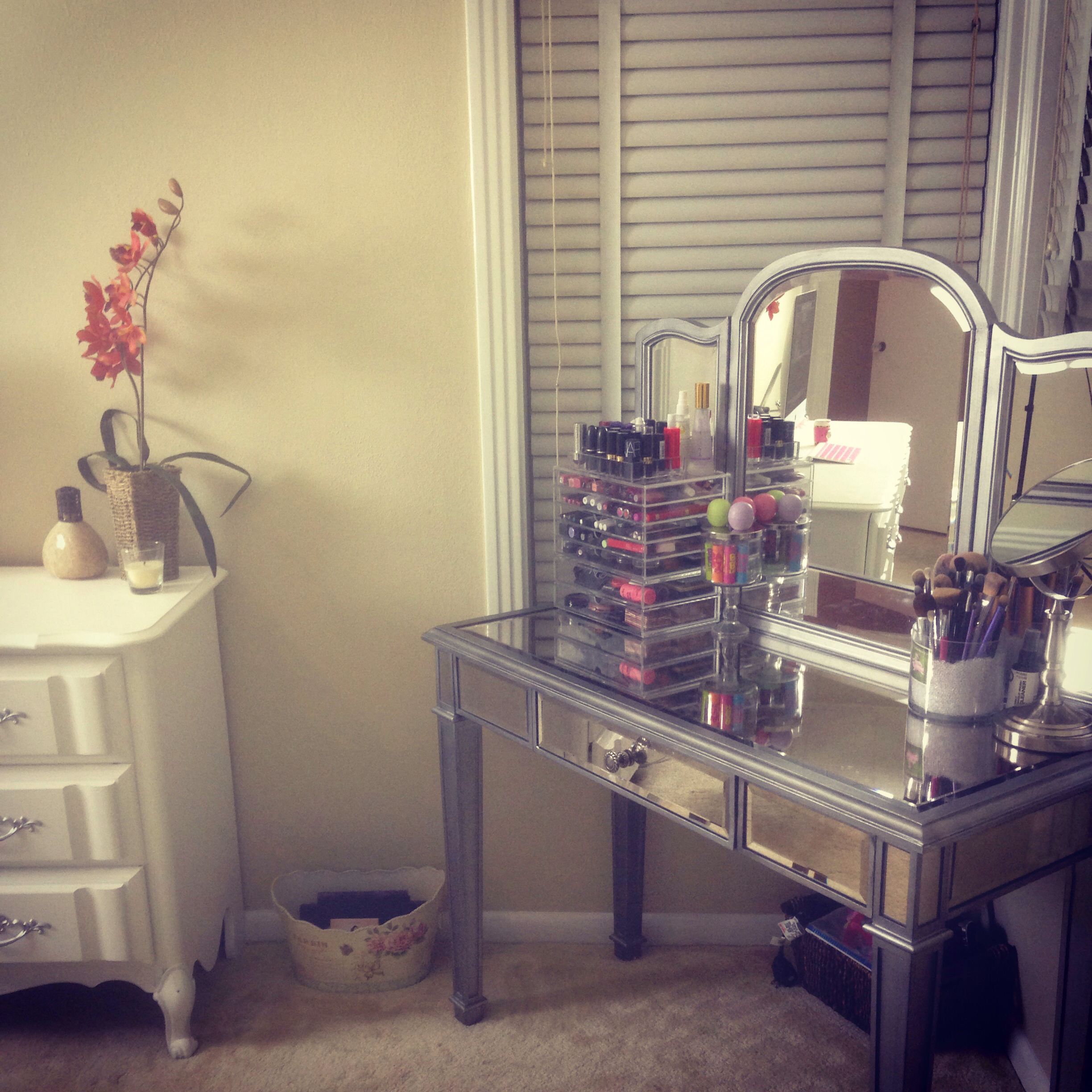 Awesome hayworth vanity mirrored vanity and ikea vanity also ikea rug hayworth rug ideas