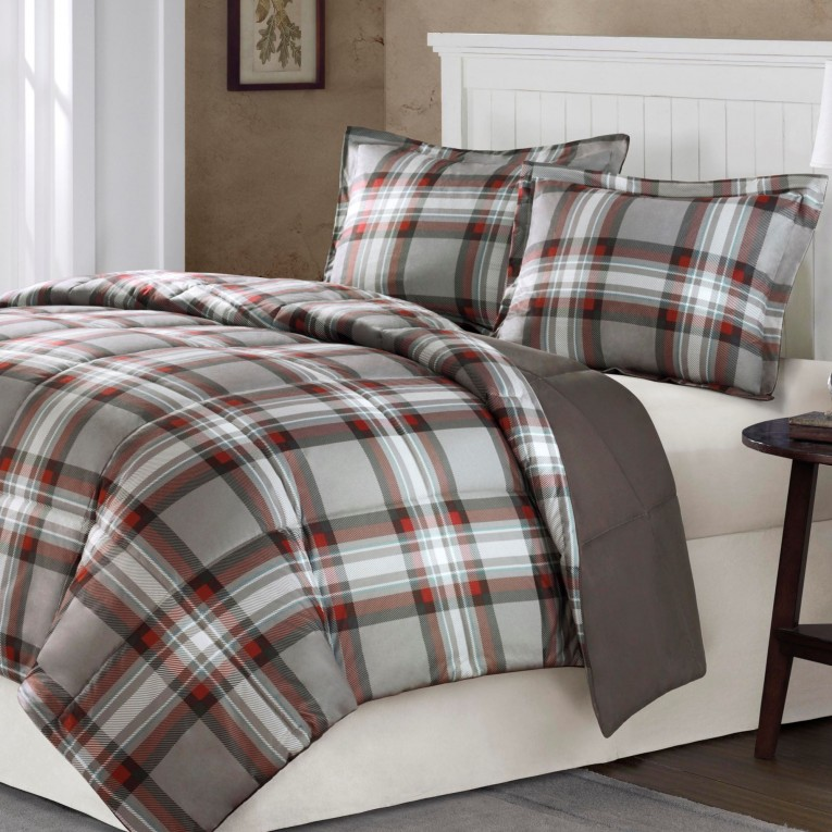 Beautiful Plaid Comforter With Rugs And Wooden Floor Plus Headboard And Sidetable Also Pillows