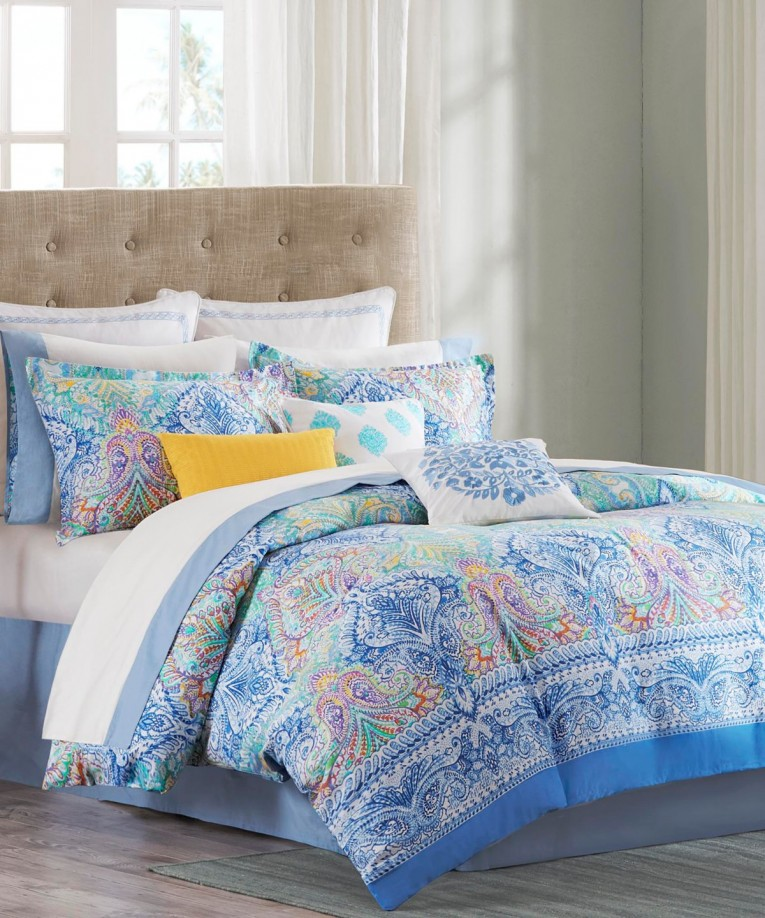 Best Comrforter Set Light Of Paisley Comforter With Pillows And Unique Sidetable And Nightlamps