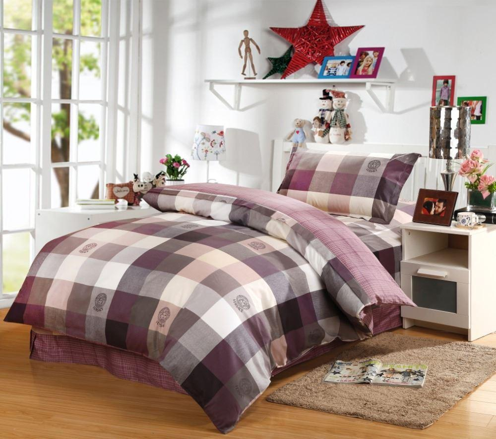 Best plaid comforter with rugs and wooden floor plus headboard and sidetable also pillows
