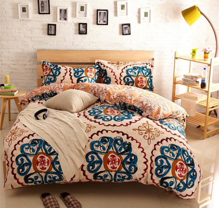 Breathtaking Comrforter Set Light Of Paisley Comforter With Pillows And Unique Sidetable And Nightlamps