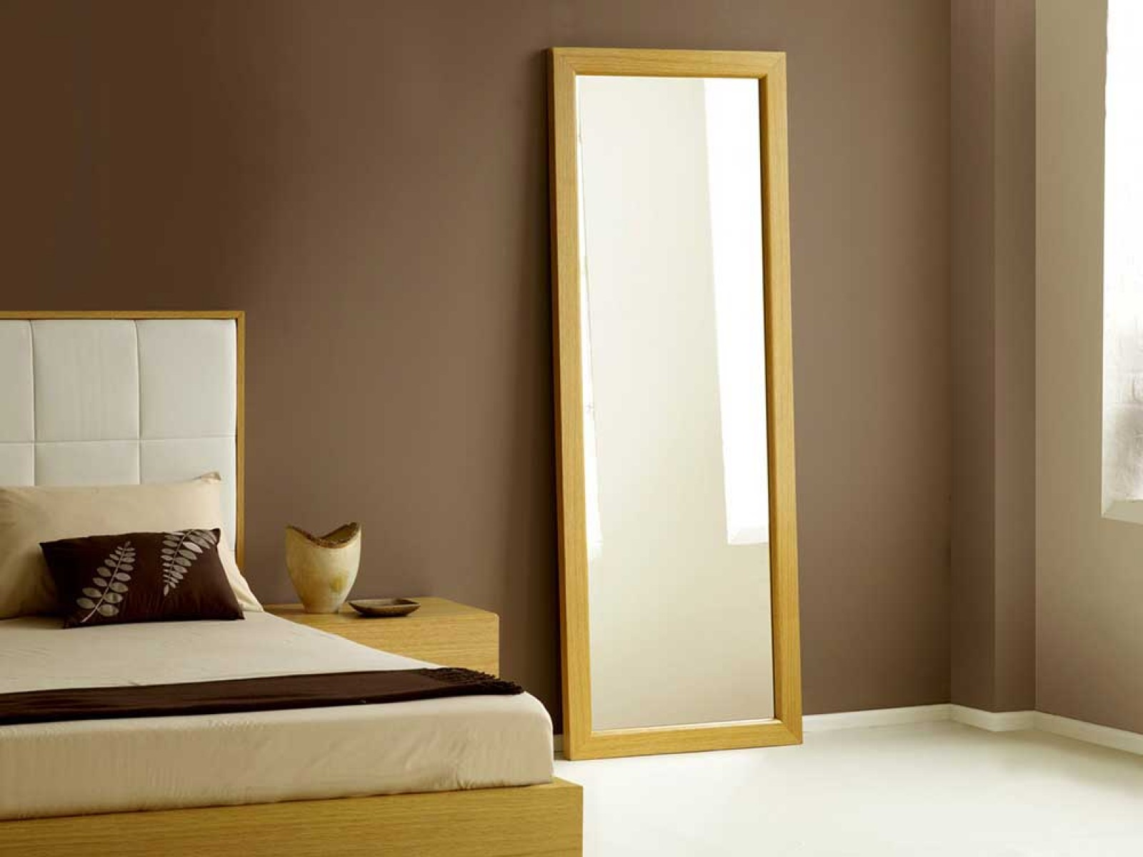 Captivating floor length mirrors ornate ornament mirror frame can be place at your beautiful bedroom Ideas
