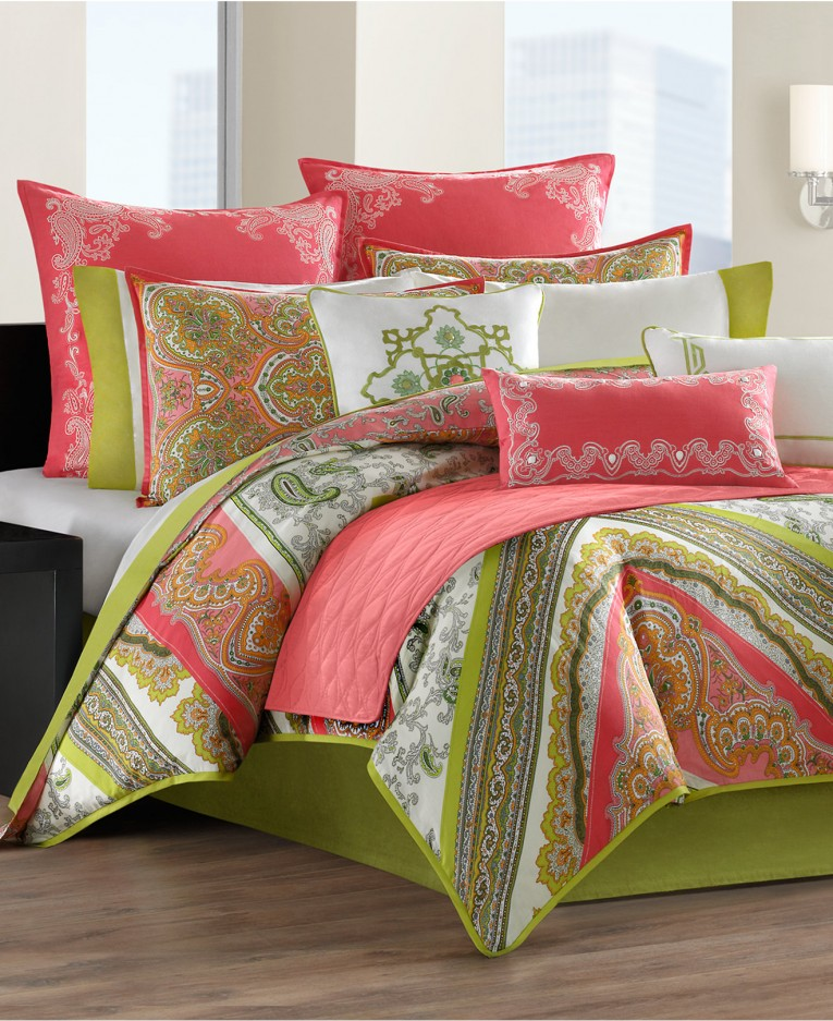 Charming Comrforter Set Light Of Paisley Comforter With Pillows And Unique Sidetable And Nightlamps