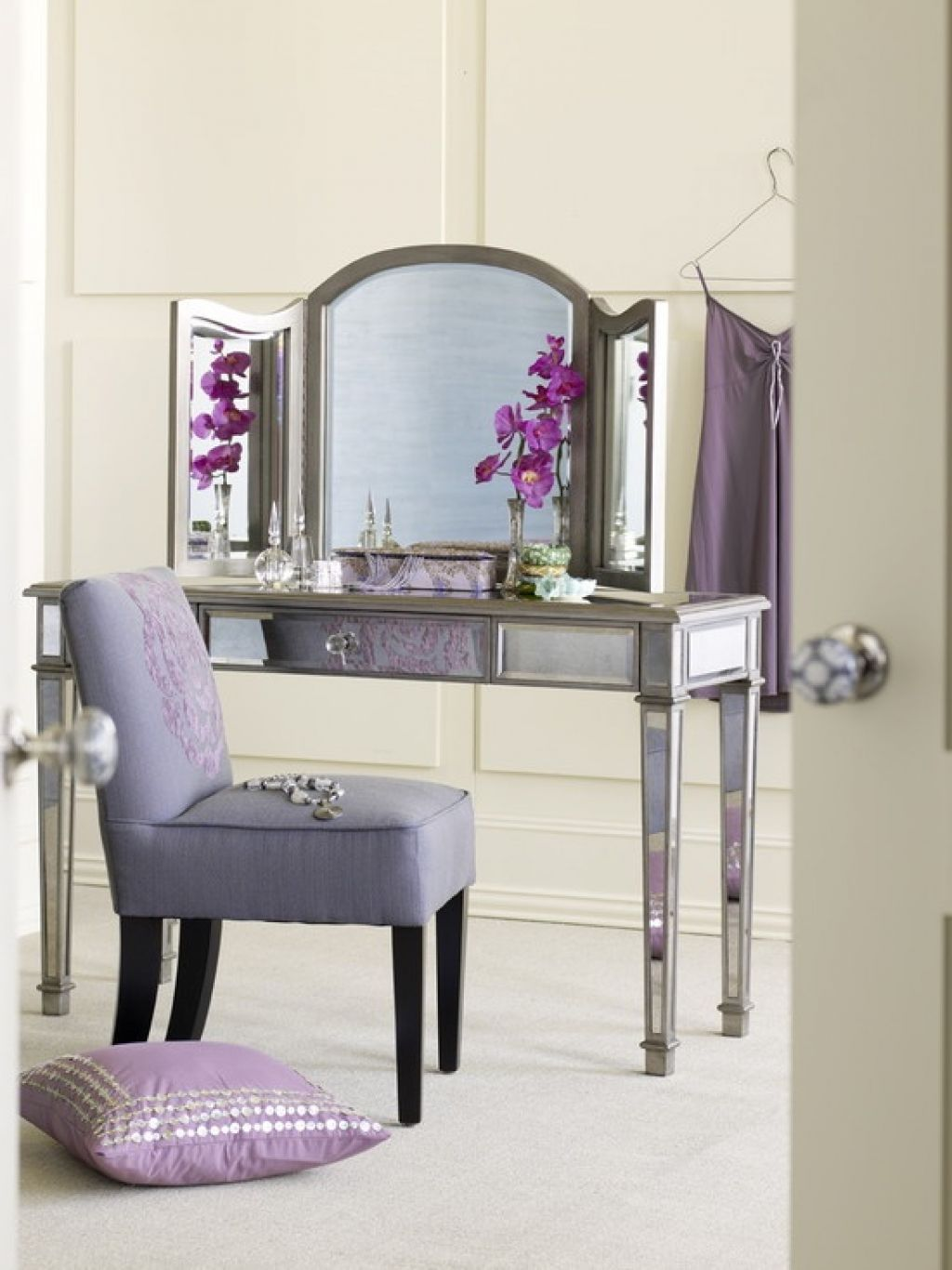 Charming hayworth vanity mirrored vanity and ikea vanity also ikea rug hayworth rug ideas