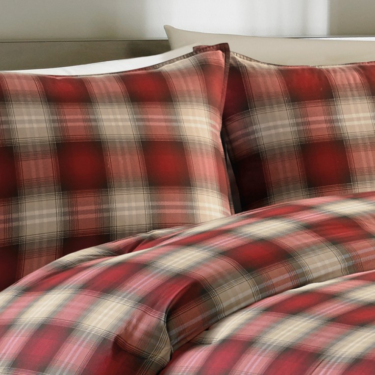 Charming Plaid Comforter With Rugs And Wooden Floor Plus Headboard And Sidetable Also Pillows