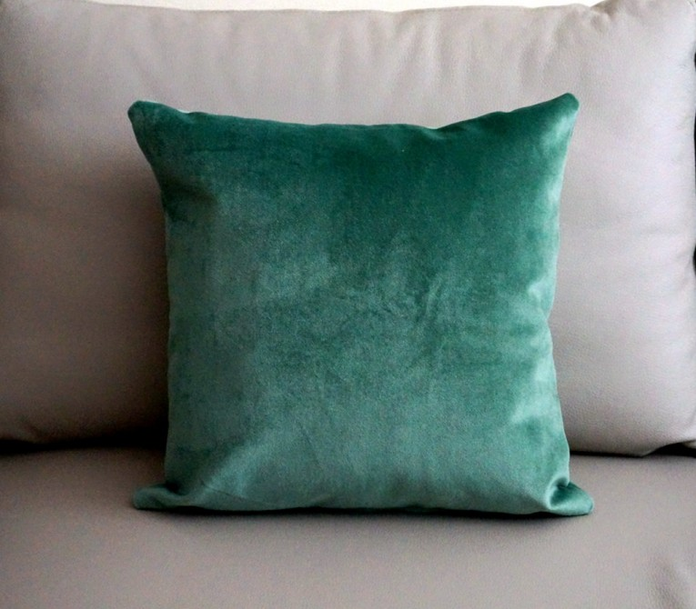 Chic Cushions Teal Throw Pillows For Queen Bed Size King Bedsize Or Sectional Sofa Also Wicker Rattan Chairs For Living Room Accesories Parts Furniture Ideas