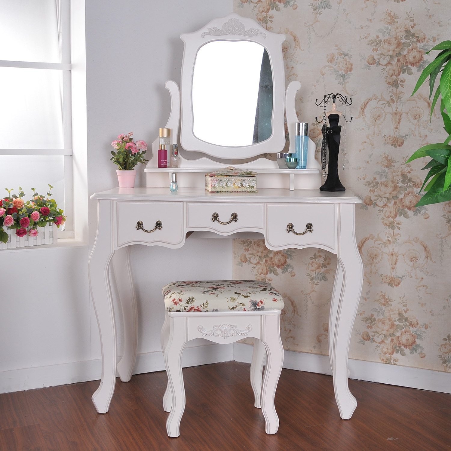 Chic hayworth vanity mirrored vanity and ikea vanity also ikea rug hayworth rug ideas